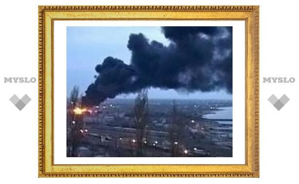 На нефтебазе в Махачкале произошел мощный взрыв