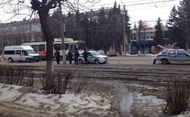 На проспекте Ленина столкнулись маршрутка и автомобиль ППС