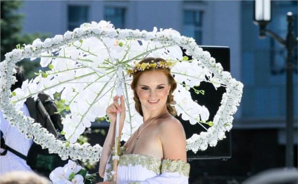 В Ленинском районе пройдёт «Парад невест» и выставка необычных автомобилей