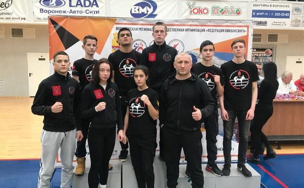 Тульские кикбоксеры привезли медали с чемпионата и первенства ЦФО