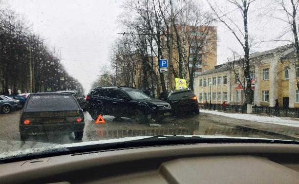 На ул. Первомайской столкнулись два кроссовера