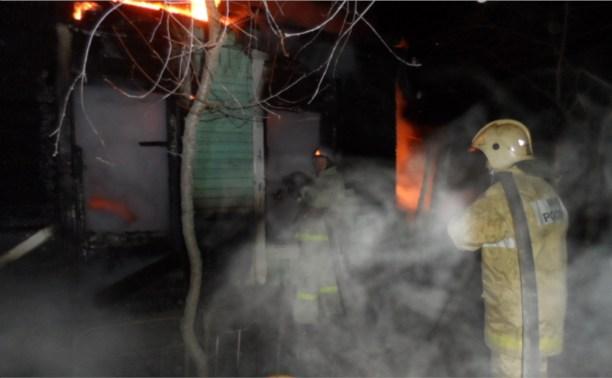 На пожаре в Суворовском районе пострадал человек