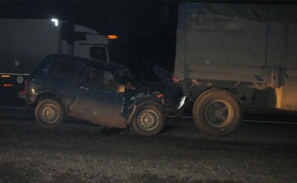 На трассе «Дон» в столкновении «Нивы» и КамАЗа погиб мужчина