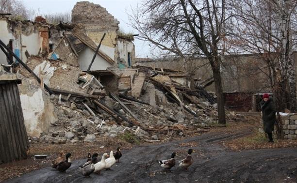 Жители одного из поселков области: «На нас падает дом!»