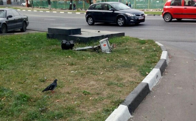 В Туле на ул. Октябрьской неизвестный сломал «треногу»