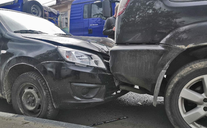 В Туле пенсионер умер за рулем и попал в ДТП