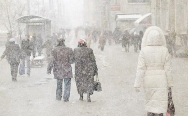 Синоптики продлили штормовое предупреждение до 13 января