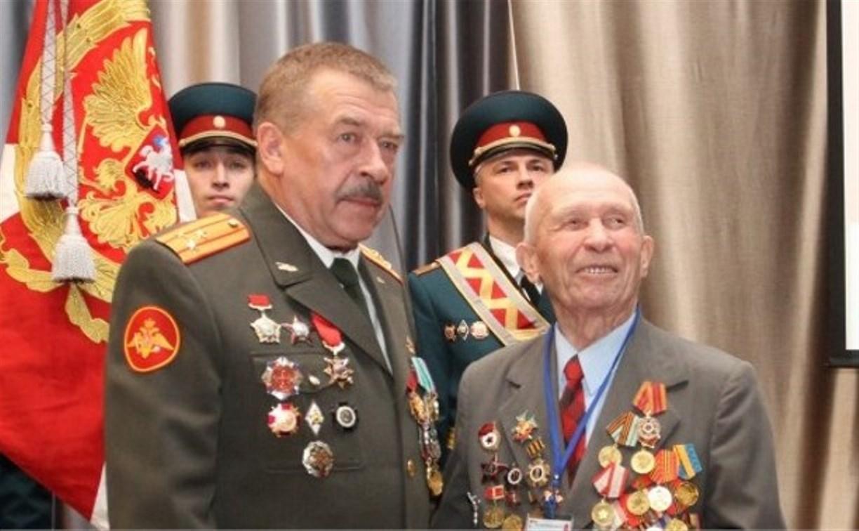 Тульских ветеранов поздравили с Днём защитника Отечества