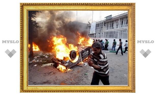 """Израильским солдатам запретили отстреливаться от """"коктейлей Молотова"""""""