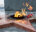 У Вечного огня в Суворове позировали не школьницы