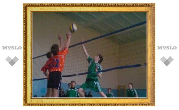 Тульские волейболисты победили в Москве