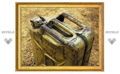 Житель Тульской области облил бензином и угрожал поджечь падчерицу