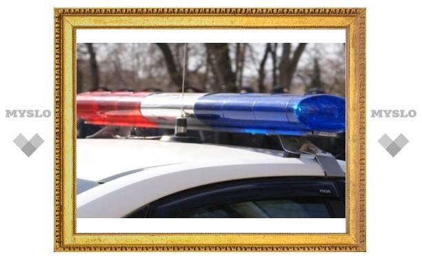 Под Тулой участковый протаранил машину оперативника угрозыска