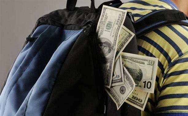 Ефремовская полиция раскрыла кражу рюкзака с деньгами