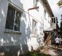 В Барсуках затопило дом: жительница не пустила ремонтников к трубе