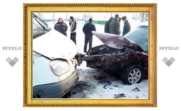 В Туле столкнулись легковушка, ГАЗель и грузовик