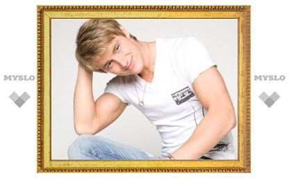 Певцу и актеру Алексею Воробьеву исполнилось 25 лет