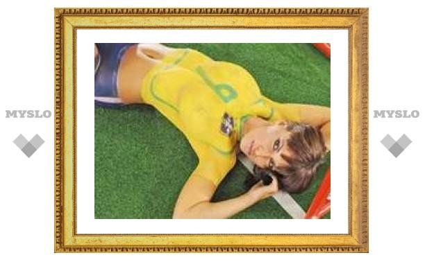 Бразильский футболист вышел к прессе голым