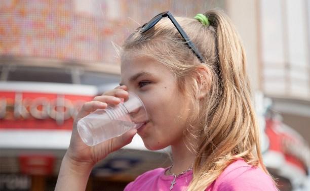 На улицах Тулы начали бесплатно раздавать питьевую воду