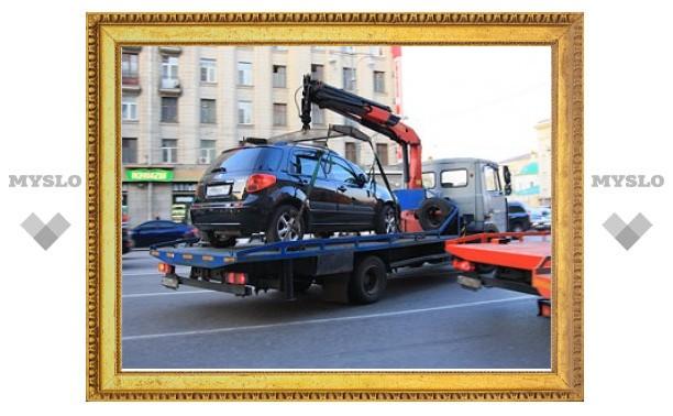 Лужков предложил эвакуировать машины с тротуаров