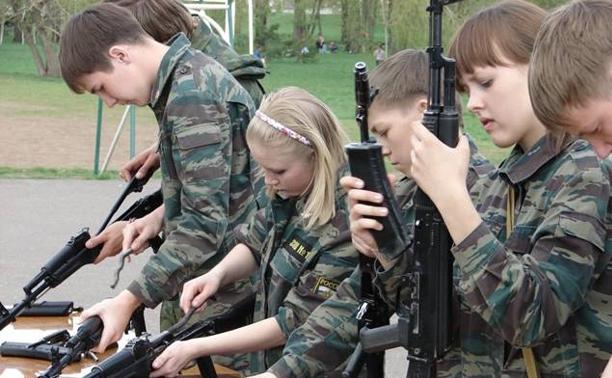 Наследники победителей прошли испытания на региональной военно-спортивной игре, посвященной памяти К.И. Недорубова