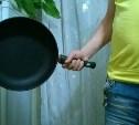 Житель Новомосковска сковородой проломил голову собутыльнику