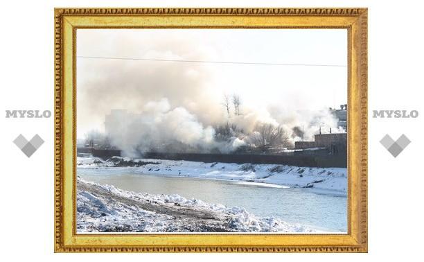 МЧС: На Тульском оружейном заводе горел мусор