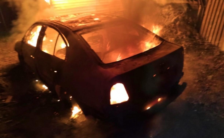 Ночью в Туле сгорела Škoda Octavia