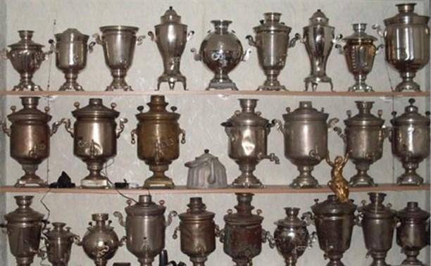 В Скуратово иностранцы украли семь старинных самоваров