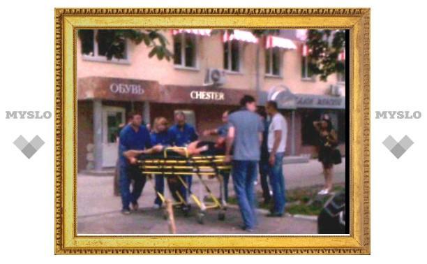 Очевидец снял на видео драку между бойцом СОБРа и посетителем коктейль-холла «Место»