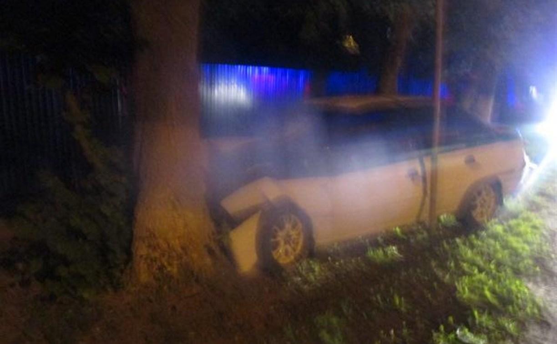 В Туле на Одоевском шоссе «Нексия» врезалась в дерево
