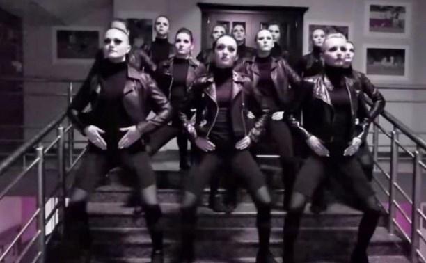 Танцовщицы из группы поддержки «Арсенала» присоединились к популярному челленджу: видео