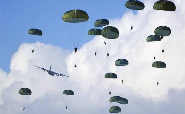 В Тульской области во время прыжка разбился десантник