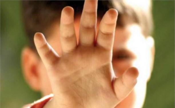 В Алексинском районе пьяный отчим избил двоих детей