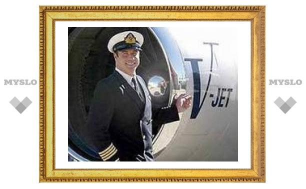 Пилот Джон Траволта чуть не погиб в авиакатастрофе