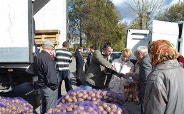В Новомосковске пенсионерам подарили картофель