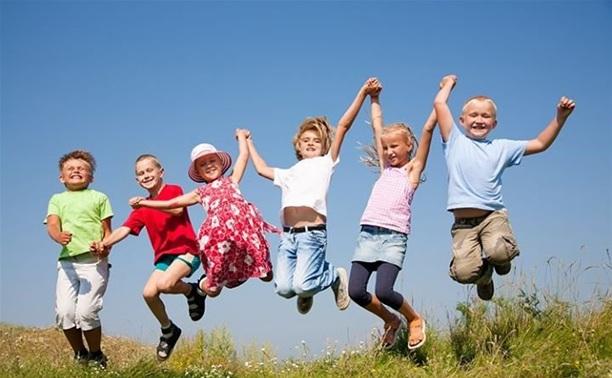 Начался прием заявок на путевки в детские оздоровительные лагеря