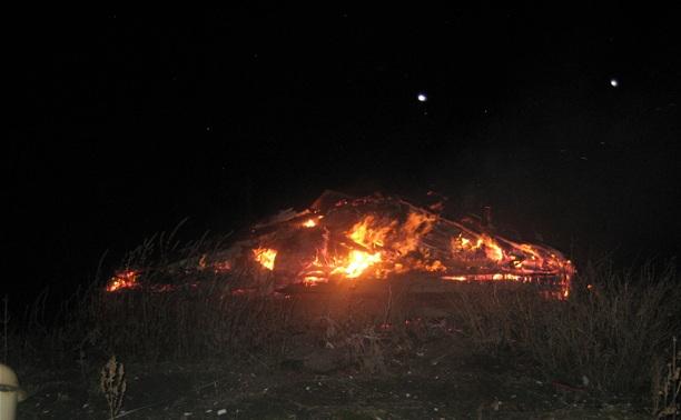В Богородицке три отделения пожарной охраны тушили кирпичный сарай