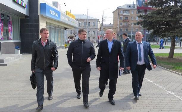 В сквере на пересечении Красноармейского проспекта и улицы Советской появятся ограждения