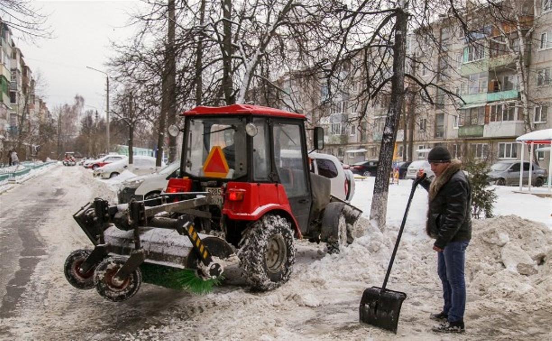 В администрации Тулы назвали управляющие компании, которые не убирают дворы от снега