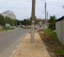 Ремонт тротуара по-тульски: на улице Вильямса посреди новой дорожки торчит столб