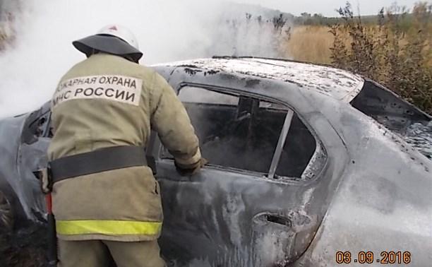 Утром в деревне Плеханово сгорел «Рено Логан»