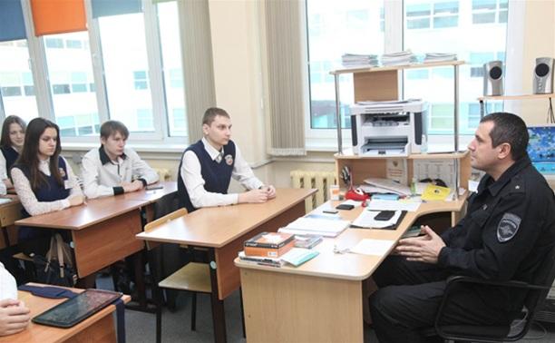 Школьники почтили память Героя России Дмитрия Горшкова