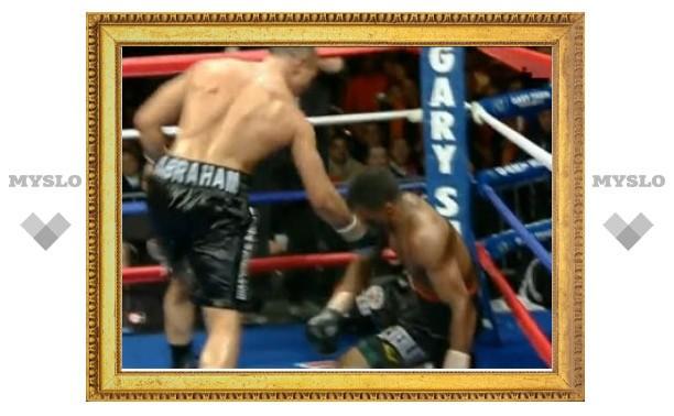 Боксера обвинили в имитации нокаута