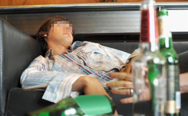 10-летний ребенок госпитализирован с алкогольным отравлением