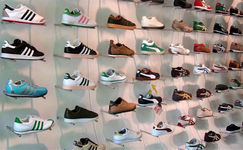 В Алексине вор украл ботинки на глазах у продавцов