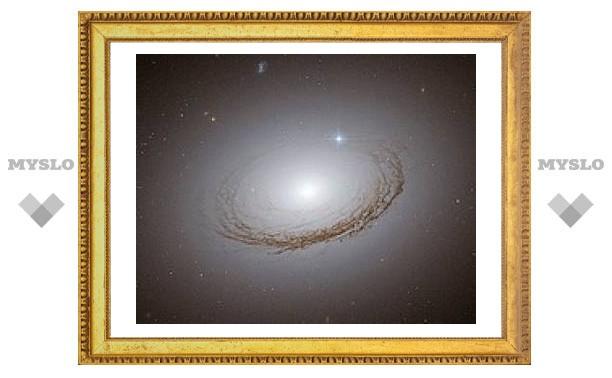 """""""Хаббл"""" сфотографировал необычную галактику"""