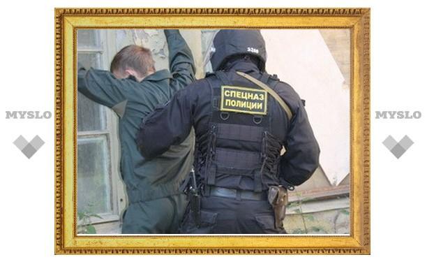 Тульский полицейский продавал наркотики