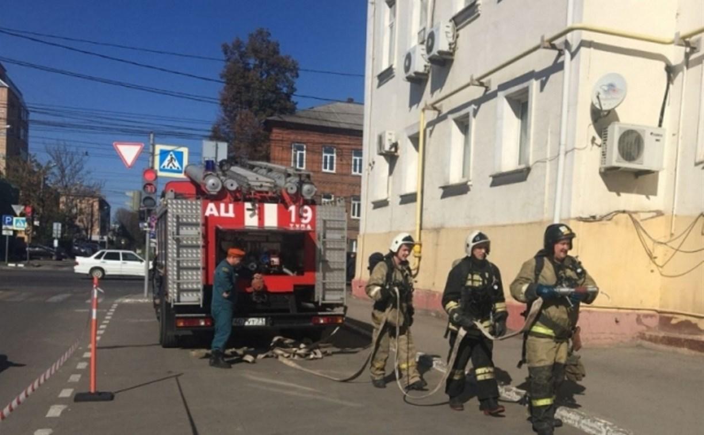 На улице Советской в Туле эвакуировали здание областного УГИБДД: фоторепортаж