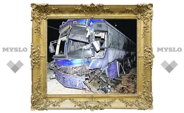 Новая катастрофа рейсового автобуса: 9 пострадавших, одна погибшая